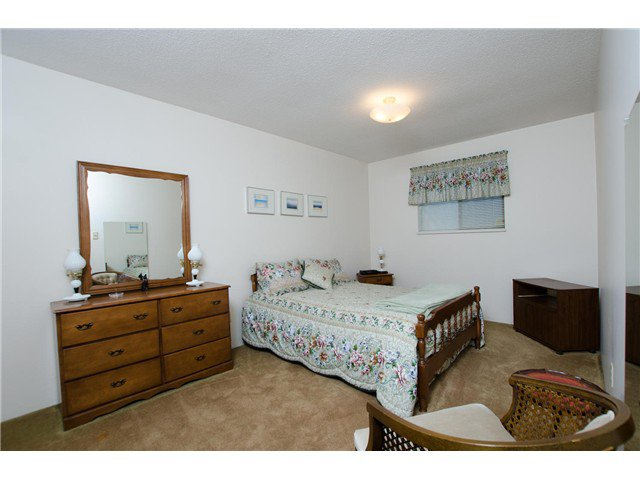 "Photo 12: Photos: 1230 MORRIS Crescent in Tsawwassen: Beach Grove House for sale in ""BEACH GROVE"" : MLS®# V1050262"