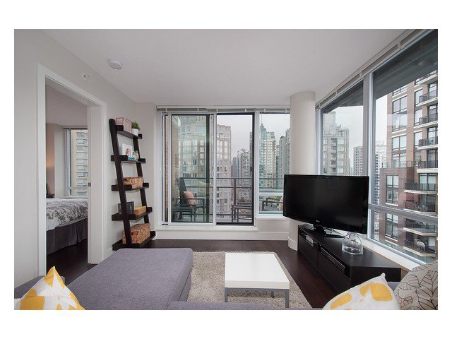 Photo 5: Photos: 1807 1088 RICHARDS Street in Vancouver: Yaletown Condo for sale (Vancouver West)  : MLS®# V1055333