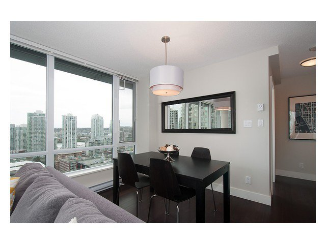 Photo 10: Photos: 1807 1088 RICHARDS Street in Vancouver: Yaletown Condo for sale (Vancouver West)  : MLS®# V1055333