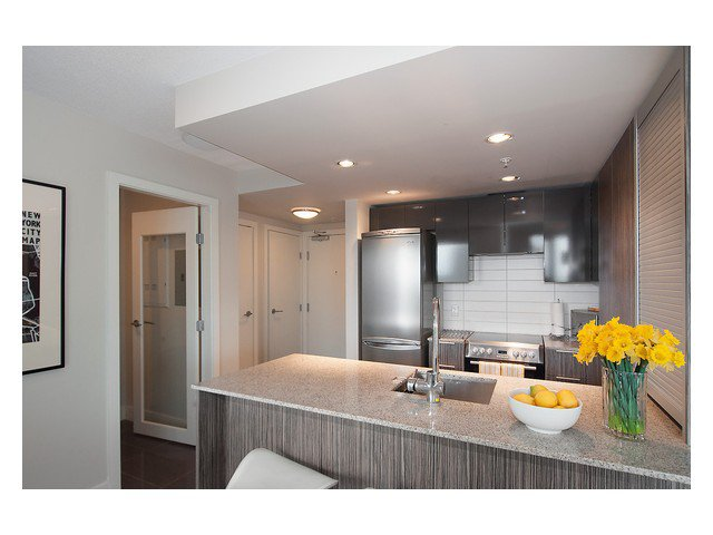 Photo 11: Photos: 1807 1088 RICHARDS Street in Vancouver: Yaletown Condo for sale (Vancouver West)  : MLS®# V1055333