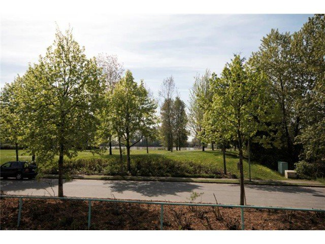 """Photo 15: Photos: 105 8450 JELLICOE Street in Vancouver: Fraserview VE Condo for sale in """"THE BOARDWALK"""" (Vancouver East)  : MLS®# V1061982"""