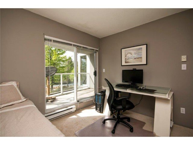 """Photo 11: Photos: 105 8450 JELLICOE Street in Vancouver: Fraserview VE Condo for sale in """"THE BOARDWALK"""" (Vancouver East)  : MLS®# V1061982"""