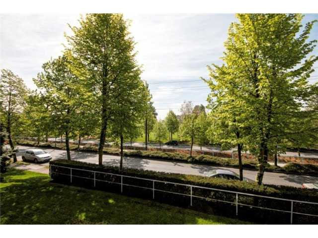 """Photo 14: Photos: 105 8450 JELLICOE Street in Vancouver: Fraserview VE Condo for sale in """"THE BOARDWALK"""" (Vancouver East)  : MLS®# V1061982"""