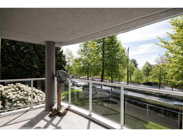 """Photo 13: Photos: 105 8450 JELLICOE Street in Vancouver: Fraserview VE Condo for sale in """"THE BOARDWALK"""" (Vancouver East)  : MLS®# V1061982"""