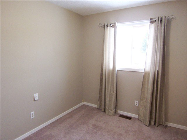 """Photo 7: Photos: 7118 GUELPH Crescent in Prince George: Lower College House 1/2 Duplex for sale in """"LOWER COLLEGE HEIGHTS"""" (PG City South (Zone 74))  : MLS®# N242295"""