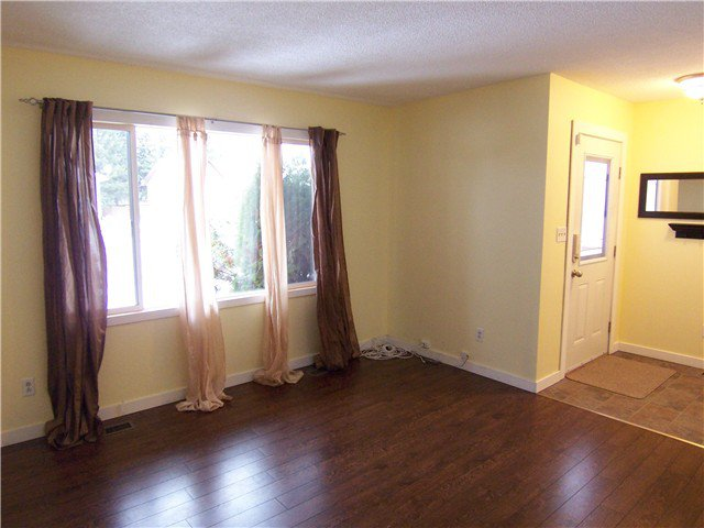 """Photo 4: Photos: 7118 GUELPH Crescent in Prince George: Lower College House 1/2 Duplex for sale in """"LOWER COLLEGE HEIGHTS"""" (PG City South (Zone 74))  : MLS®# N242295"""