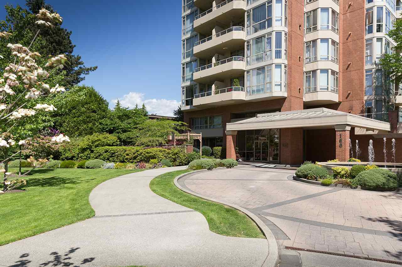 "Main Photo: 402 160 W KEITH Road in North Vancouver: Central Lonsdale Condo for sale in ""Victoria Park West"" : MLS®# R2069729"