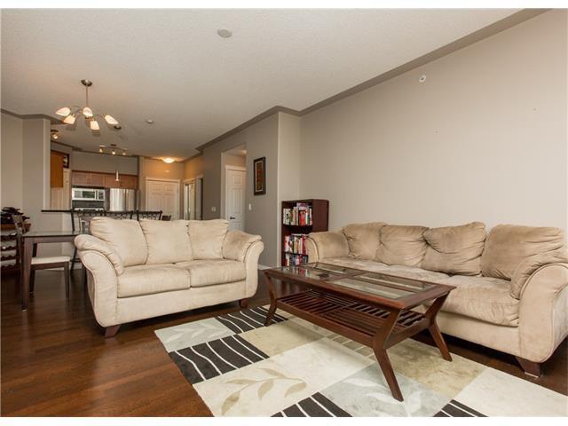Photo 11: Photos:  in Calgary: Condo for sale : MLS®# C4076180