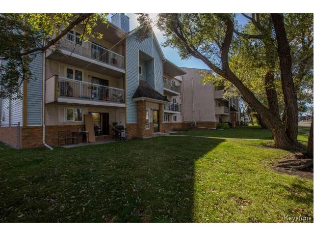 Main Photo: 40 Dalhousie Drive in Winnipeg: Fort Richmond Condominium for sale (1K)  : MLS®# 1700282