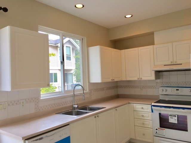 "Photo 9: Photos: 31 22888 WINDSOR Court in Richmond: Hamilton RI Townhouse for sale in ""Windsor Gardens"" : MLS®# R2193655"