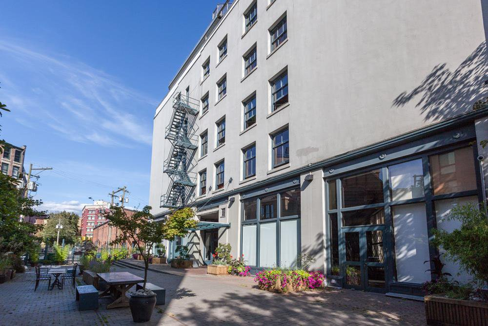 """Photo 18: Photos: 509 55 E CORDOVA Street in Vancouver: Downtown VE Condo for sale in """"KORET LOFTS"""" (Vancouver East)  : MLS®# R2252534"""