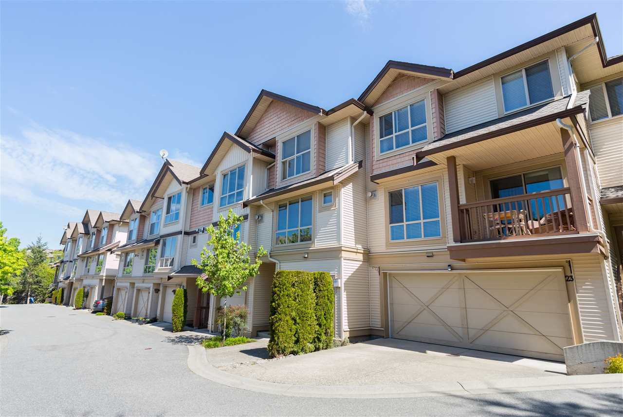 "Main Photo: 20 20350 68 Avenue in Langley: Willoughby Heights Townhouse for sale in ""Sunridge"" : MLS®# R2265524"