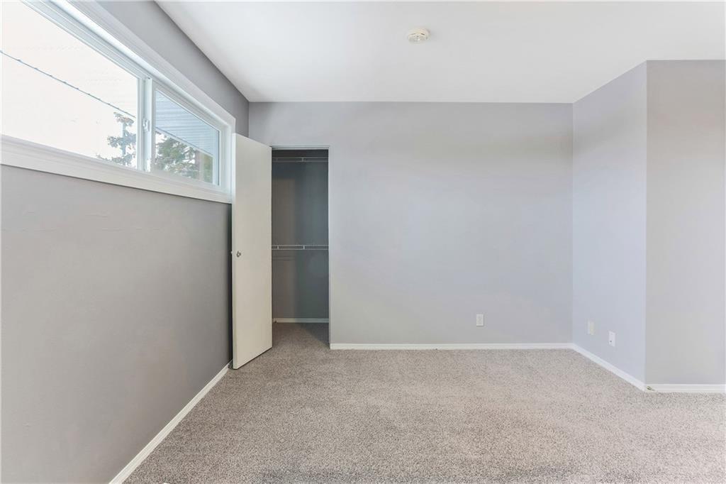 Photo 21: Photos: 662 REGAL Park NE in Calgary: Renfrew Row/Townhouse for sale : MLS®# C4210366