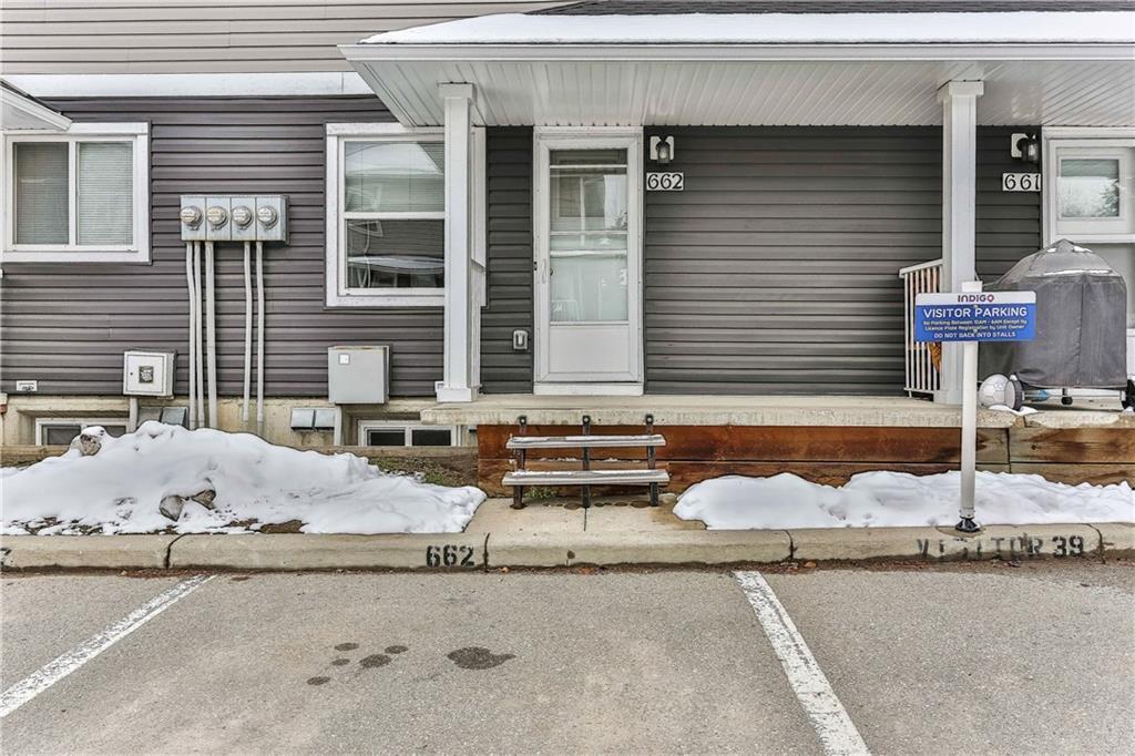 Photo 32: Photos: 662 REGAL Park NE in Calgary: Renfrew Row/Townhouse for sale : MLS®# C4210366