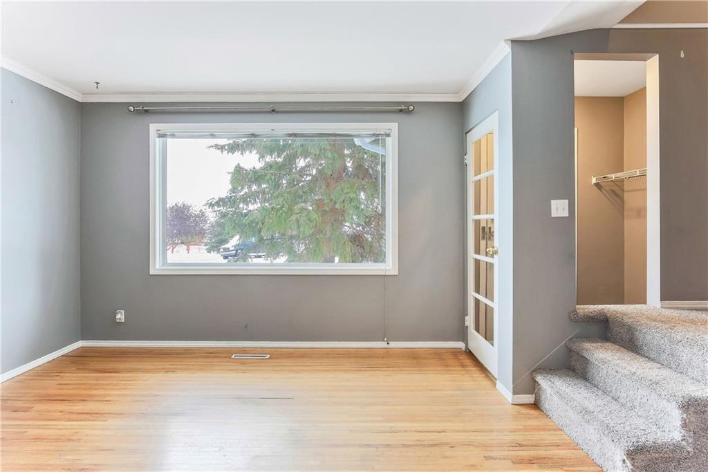 Photo 6: Photos: 662 REGAL Park NE in Calgary: Renfrew Row/Townhouse for sale : MLS®# C4210366