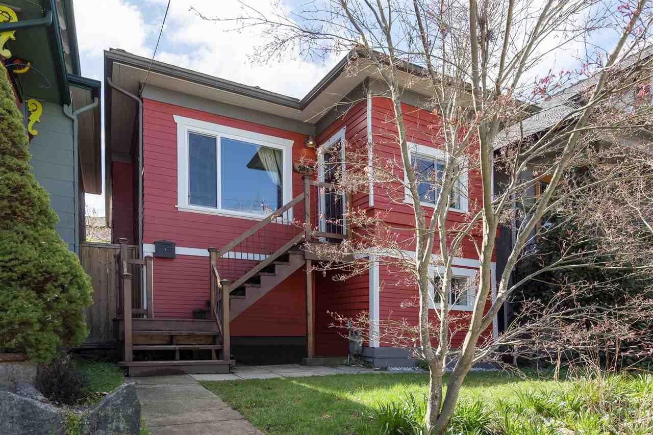 """Main Photo: 266 E 26TH Avenue in Vancouver: Main House for sale in """"MAIN STREET"""" (Vancouver East)  : MLS®# R2358788"""