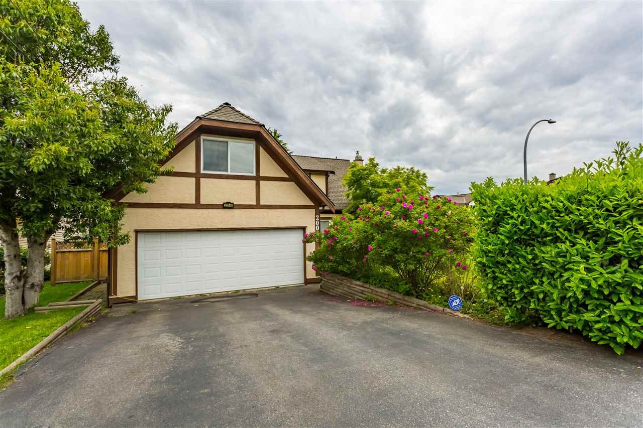 Main Photo: 20049 50 Avenue in Langley: Langley City House for sale : MLS®# R2369915