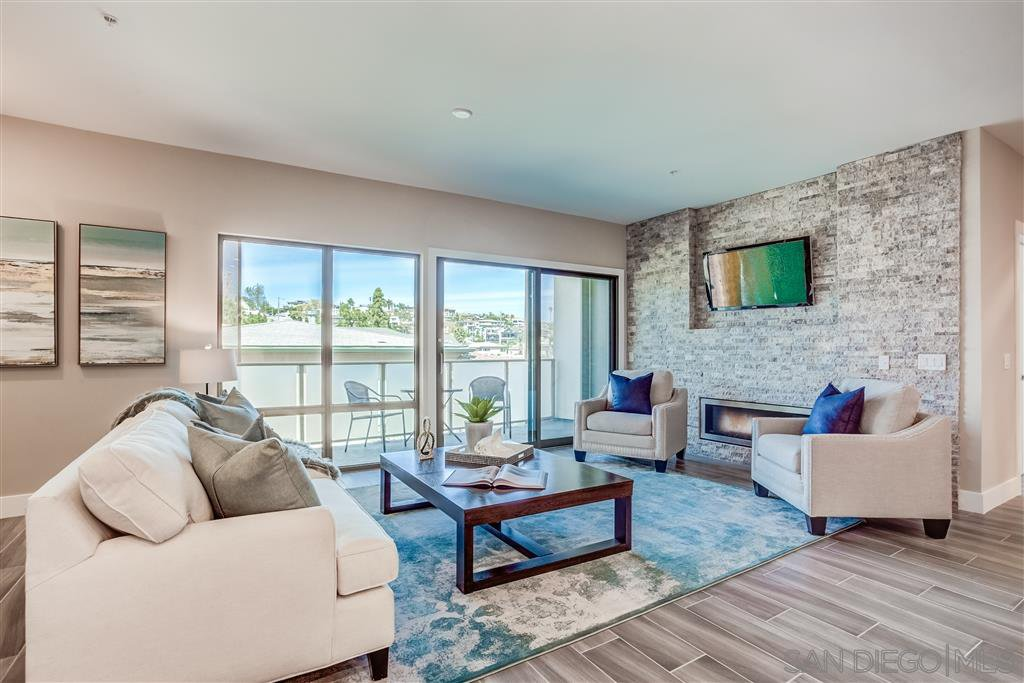 Main Photo: POINT LOMA Condo for sale : 3 bedrooms : 3025 Byron St #307 in San Diego