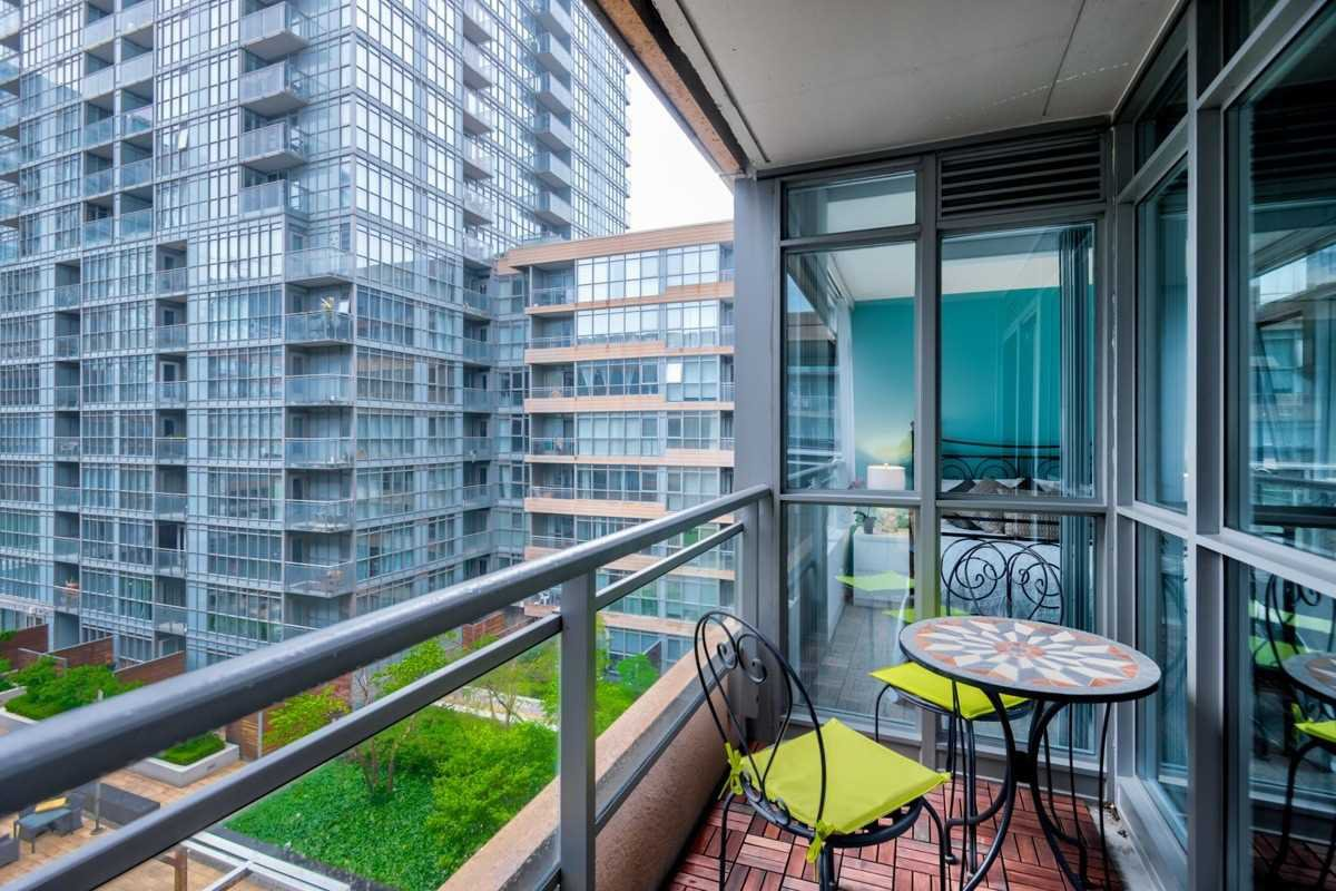 Photo 15: Photos: 723 10 Capreol Court in Toronto: Waterfront Communities C1 Condo for sale (Toronto C01)  : MLS®# C4477531