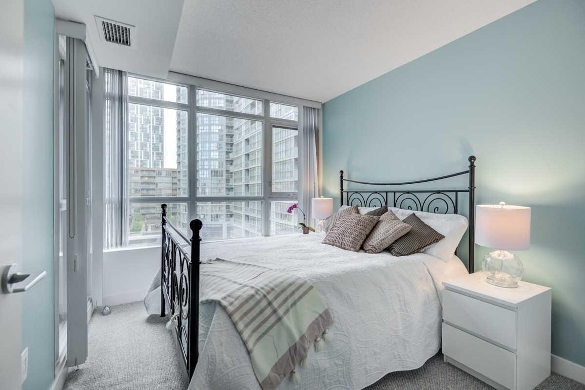 Photo 10: Photos: 723 10 Capreol Court in Toronto: Waterfront Communities C1 Condo for sale (Toronto C01)  : MLS®# C4477531