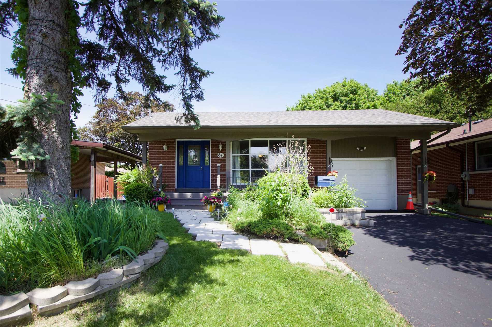 Main Photo: 84 Robert Street in Oshawa: Centennial House (Bungalow) for sale : MLS®# E4486373