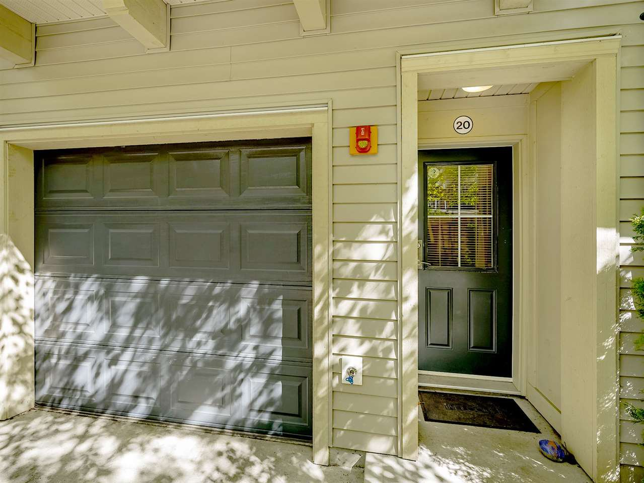 "Photo 18: Photos: 20 550 BROWNING Place in North Vancouver: Seymour NV Townhouse for sale in ""TANAGER"" : MLS®# R2383492"