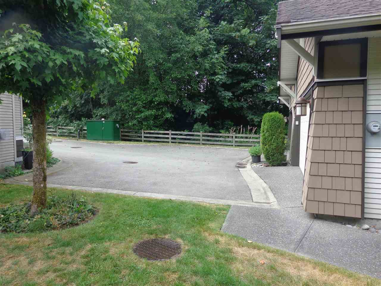 """Photo 20: Photos: 10 8588 168A Street in Surrey: Fleetwood Tynehead Townhouse for sale in """"The Brookstone"""" : MLS®# R2384013"""