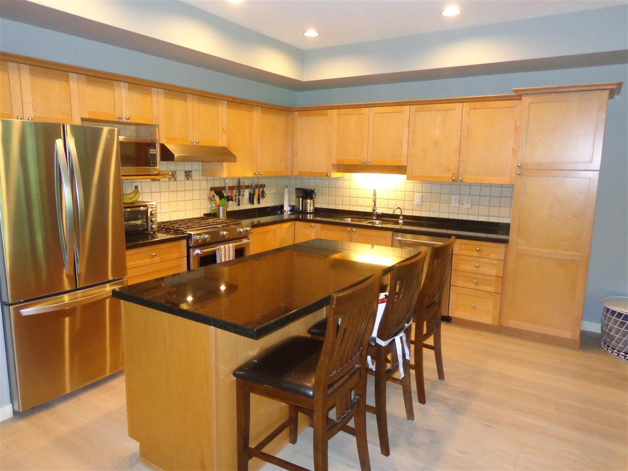 """Photo 6: Photos: 10 8588 168A Street in Surrey: Fleetwood Tynehead Townhouse for sale in """"The Brookstone"""" : MLS®# R2384013"""