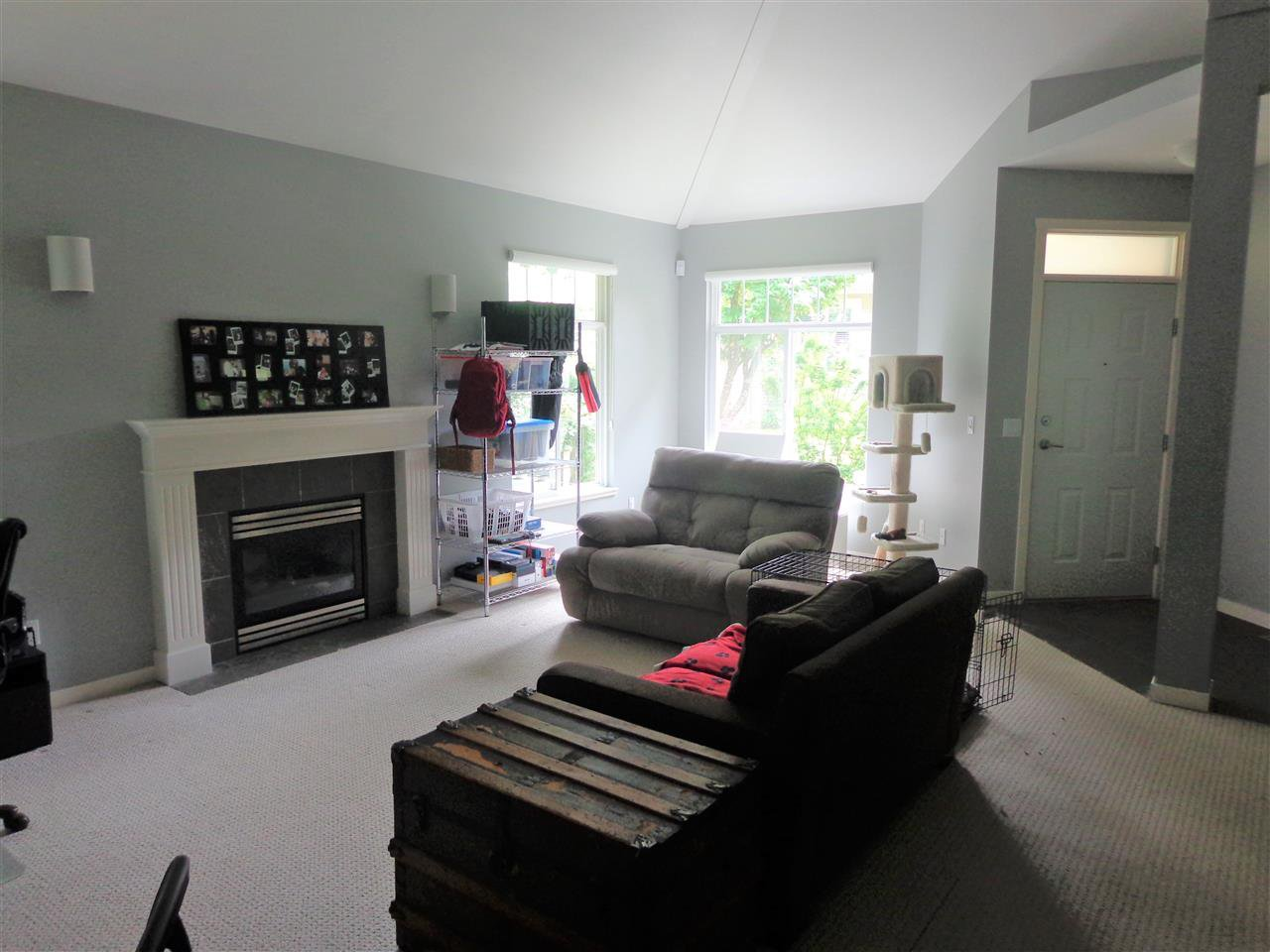 """Photo 5: Photos: 10 8588 168A Street in Surrey: Fleetwood Tynehead Townhouse for sale in """"The Brookstone"""" : MLS®# R2384013"""