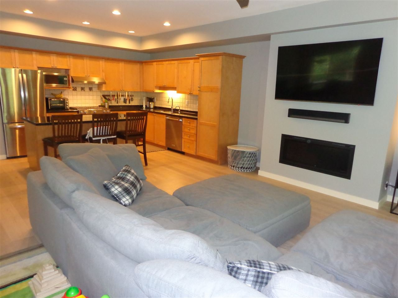 """Photo 11: Photos: 10 8588 168A Street in Surrey: Fleetwood Tynehead Townhouse for sale in """"The Brookstone"""" : MLS®# R2384013"""