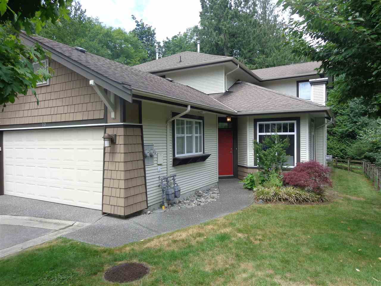 """Photo 2: Photos: 10 8588 168A Street in Surrey: Fleetwood Tynehead Townhouse for sale in """"The Brookstone"""" : MLS®# R2384013"""