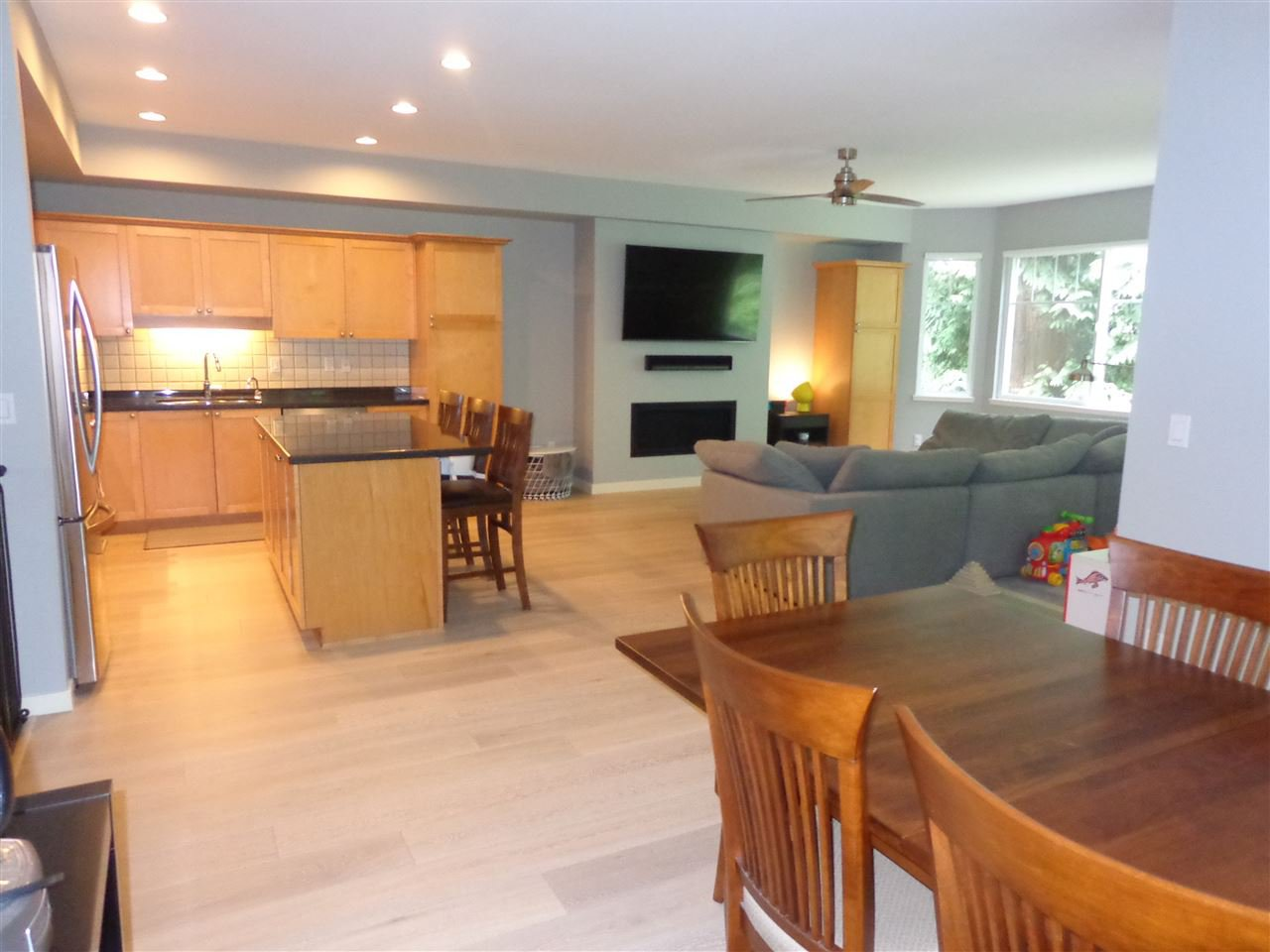 """Photo 10: Photos: 10 8588 168A Street in Surrey: Fleetwood Tynehead Townhouse for sale in """"The Brookstone"""" : MLS®# R2384013"""