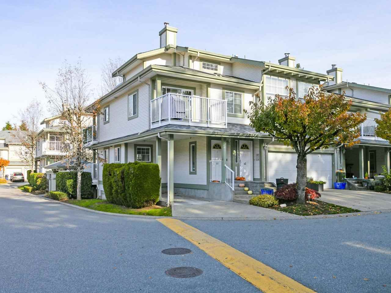 "Main Photo: 41 8892 208 Street in Langley: Walnut Grove Townhouse for sale in ""HUNTER'S RUN"" : MLS®# R2417904"