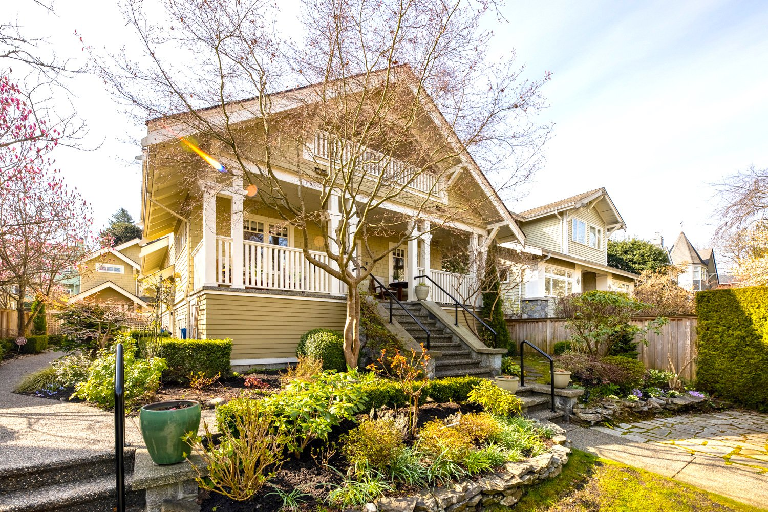 "Main Photo: 1956 W 14TH Avenue in Vancouver: Kitsilano House 1/2 Duplex for sale in ""LOWER SHAUGHNESSY"" (Vancouver West)  : MLS®# R2452367"
