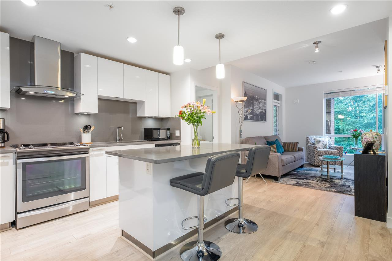 """Main Photo: 429 723 W 3RD Street in North Vancouver: Harbourside Condo for sale in """"The Shore"""" : MLS®# R2491659"""