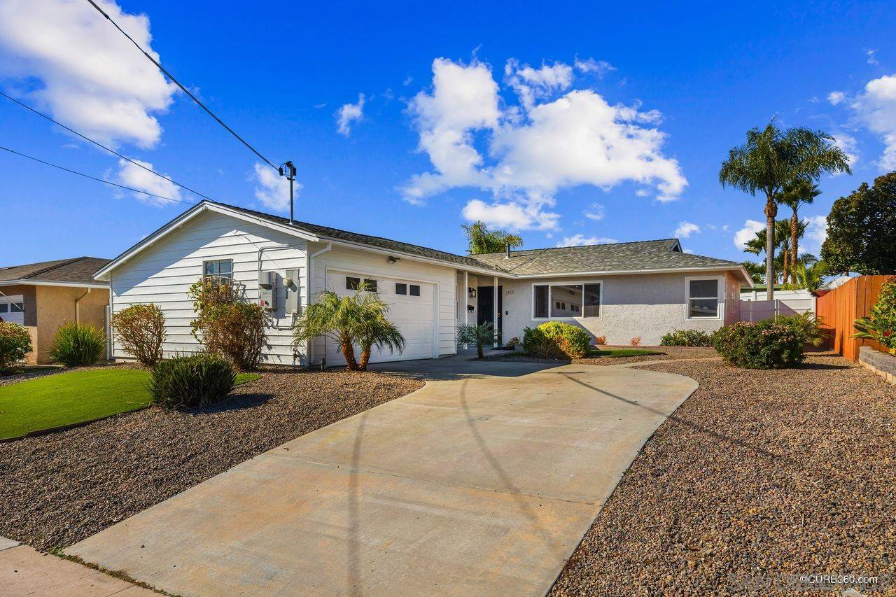 Main Photo: SAN DIEGO House for sale : 4 bedrooms : 2522 Meadow Lark Drive in Diego