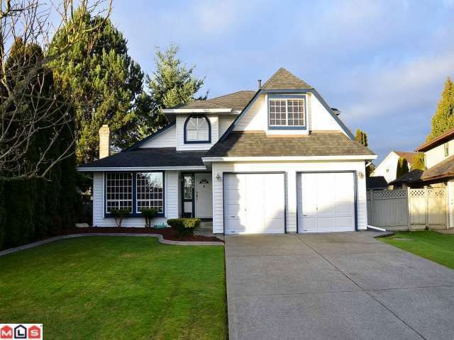 """Main Photo: 9261 155TH ST in Surrey: Fleetwood Tynehead House for sale in """"Berkshire Park"""" : MLS®# F1202401"""