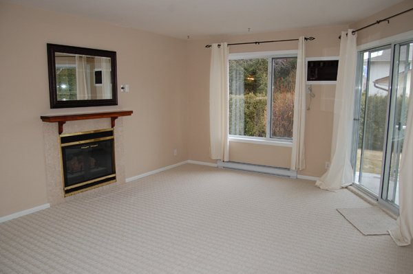 Photo 2: Photos: 9-10505 Quinpool Road in Summerland: Main Town Residential Attached for sale : MLS®# 135809