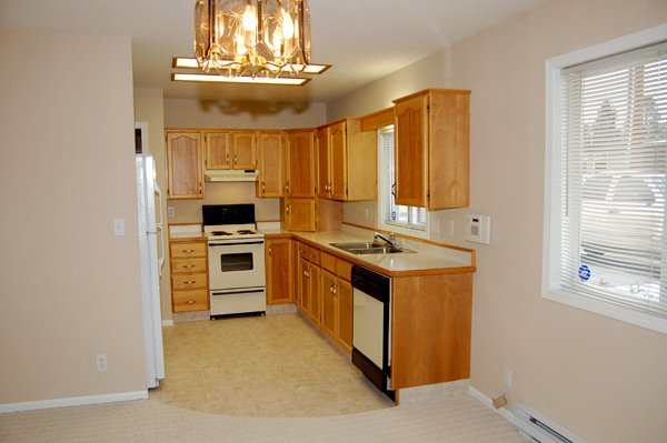 Photo 9: Photos: 9-10505 Quinpool Road in Summerland: Main Town Residential Attached for sale : MLS®# 135809