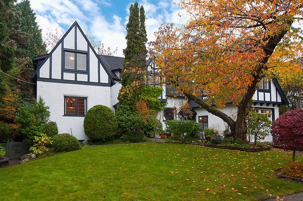 Main Photo: 5661 HIGHBURY Street in Vancouver: Dunbar House for sale (Vancouver West)  : MLS®# V1034485