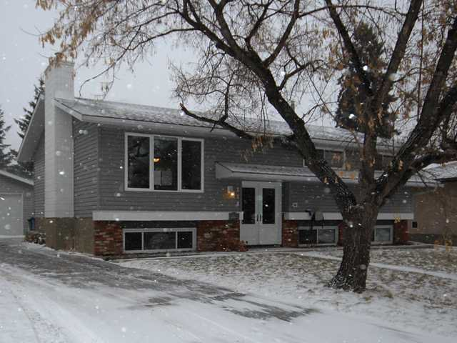 Main Photo: 116 CANTREE Place SW in Calgary: Canyon Meadows Residential Detached Single Family for sale : MLS®# C3647087
