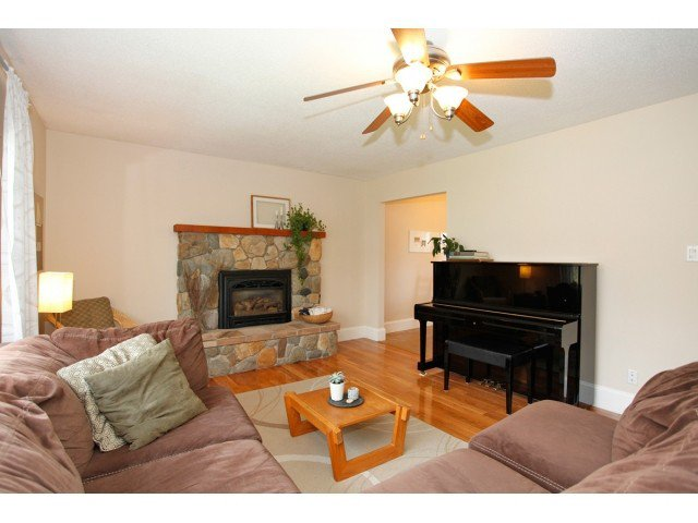 "Photo 4: Photos: 17094 62ND Avenue in Surrey: Cloverdale BC House for sale in ""GREENAWAY"" (Cloverdale)  : MLS®# F1436596"