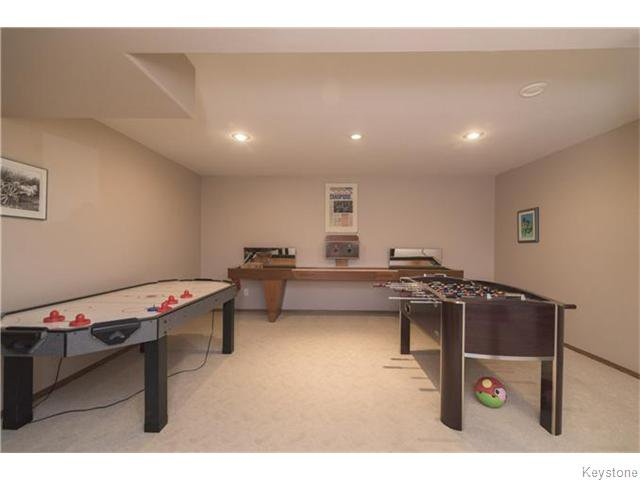 Photo 12: Photos: 227 MARINERS Way in ESTPAUL: Birdshill Area Residential for sale (North East Winnipeg)  : MLS®# 1601136