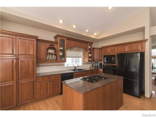 Photo 5: Photos: 227 MARINERS Way in ESTPAUL: Birdshill Area Residential for sale (North East Winnipeg)  : MLS®# 1601136