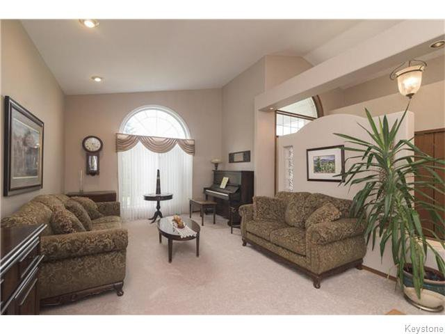 Photo 7: Photos: 227 MARINERS Way in ESTPAUL: Birdshill Area Residential for sale (North East Winnipeg)  : MLS®# 1601136