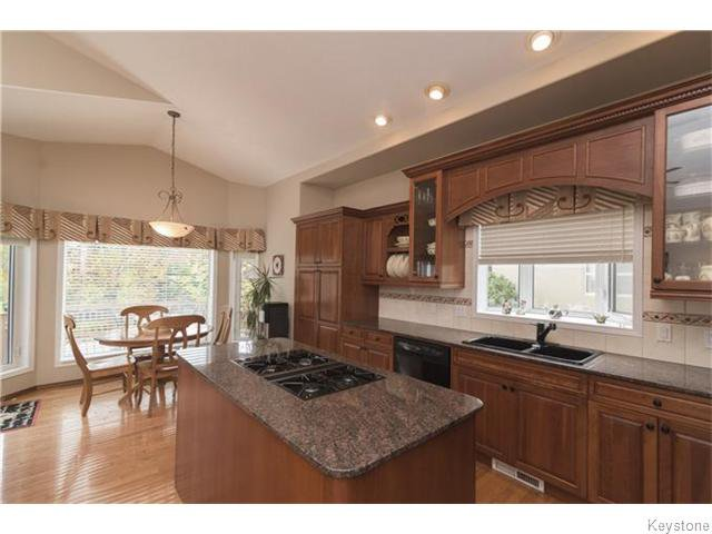 Photo 3: Photos: 227 MARINERS Way in ESTPAUL: Birdshill Area Residential for sale (North East Winnipeg)  : MLS®# 1601136