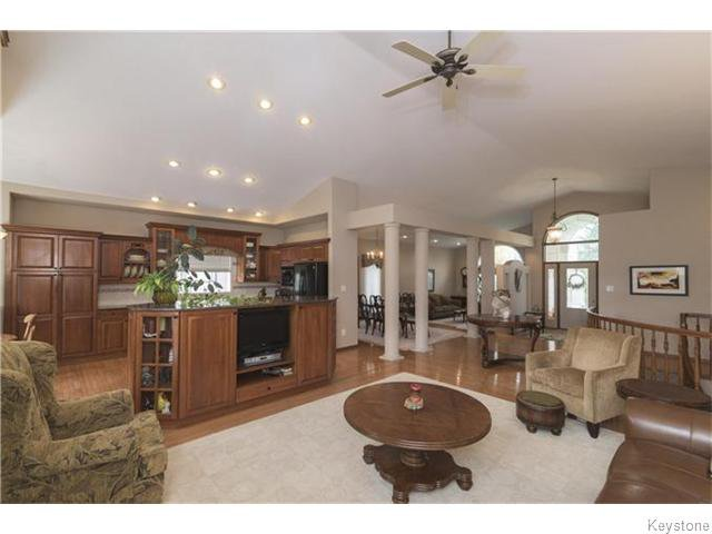 Photo 4: Photos: 227 MARINERS Way in ESTPAUL: Birdshill Area Residential for sale (North East Winnipeg)  : MLS®# 1601136