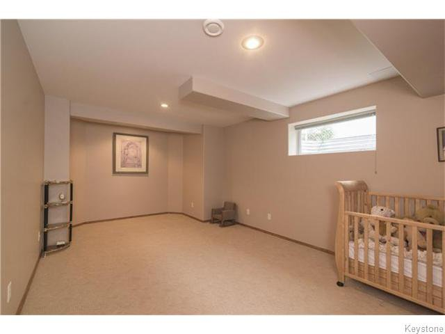 Photo 13: Photos: 227 MARINERS Way in ESTPAUL: Birdshill Area Residential for sale (North East Winnipeg)  : MLS®# 1601136
