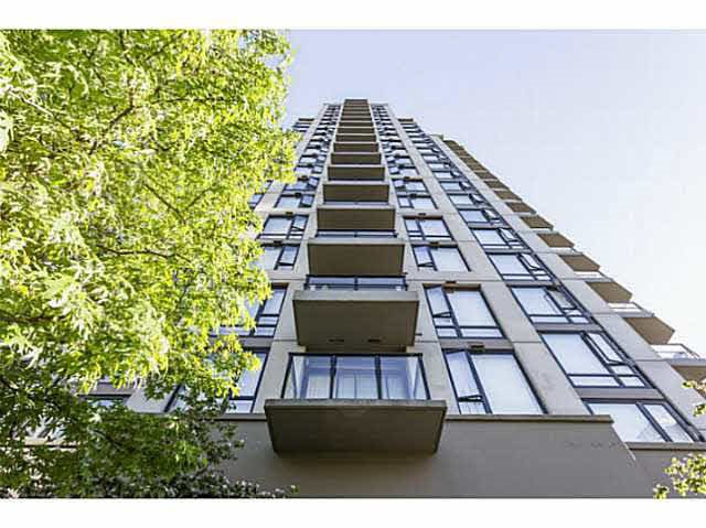 "Main Photo: 1804 151 W 2ND Street in North Vancouver: Lower Lonsdale Condo for sale in ""SKY"" : MLS®# R2030955"