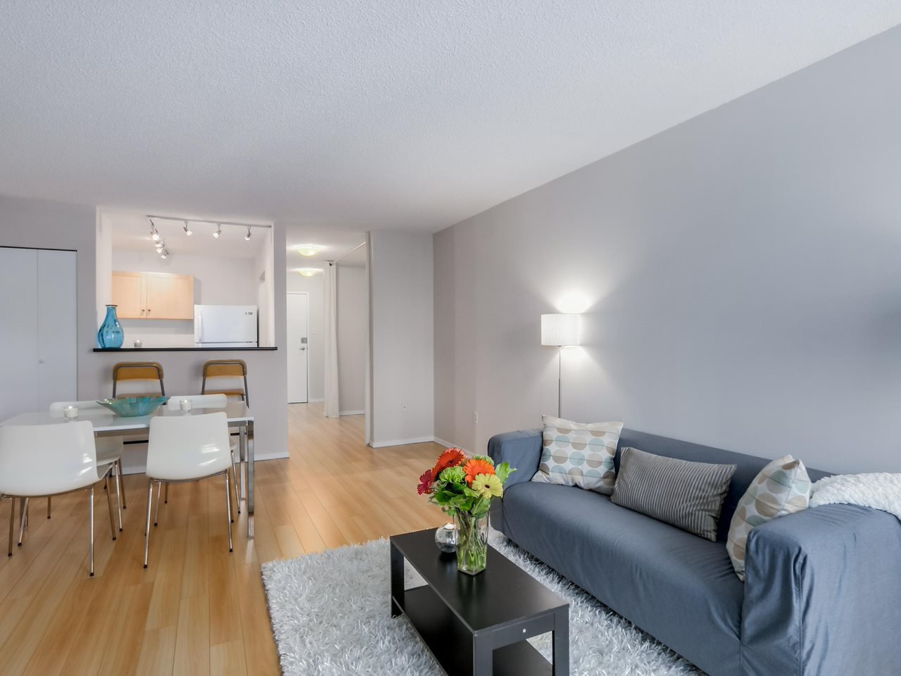 """Photo 3: Photos: 207 1545 E 2ND Avenue in Vancouver: Grandview VE Condo for sale in """"TALISHAN WOODS"""" (Vancouver East)  : MLS®# R2086466"""